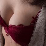 В Индии теперь можно бесплатно увеличить грудь