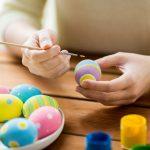 Как красить яйца: ТОП-20 самых интересных способов (фото)