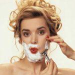 Женщина с ростом нежелательных волос должны провериться на эту болезнь