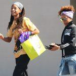 Как подросток: Джада Пинкетт-Смит с дочерью Уиллоу на шопинге в Малибу