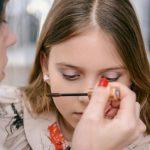 Секреты детского макияжа: не превращайте малыша в куклу