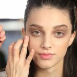 5 лайфхаков, как скрыть синяки под глазами