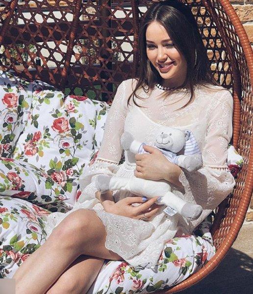 Анастасия Костенко после родов предоставит малышу электронного медведя вместо себя