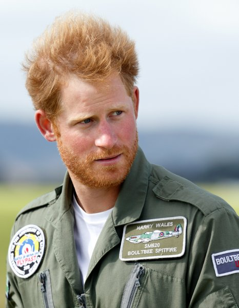 «Маркл его не узнает»: Эксперты поспорили, сбреет ли принц Гарри бороду для свадьбы