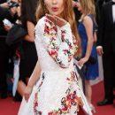 Мордаха есть, а породы нет: В Сети критикуют Викторию Боню на красной дорожке в Каннах