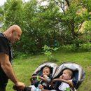 Иосиф Пригожин заинтриговал фотографией с неизвестными детьми в коляске