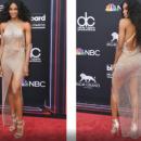 Billboard Music Awards: Сиара удивила публику «голым» платьем