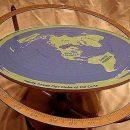 Звезды реалити-шоу после посещения Австралии поверили в плоскую Землю