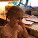 Смышленая не по годам: Максим Галкин показал занятия дочки Лизы с логопедом