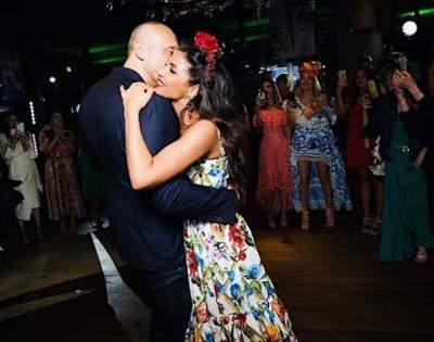 Санта Димопулос выложила в Сеть редкое фото с мужем