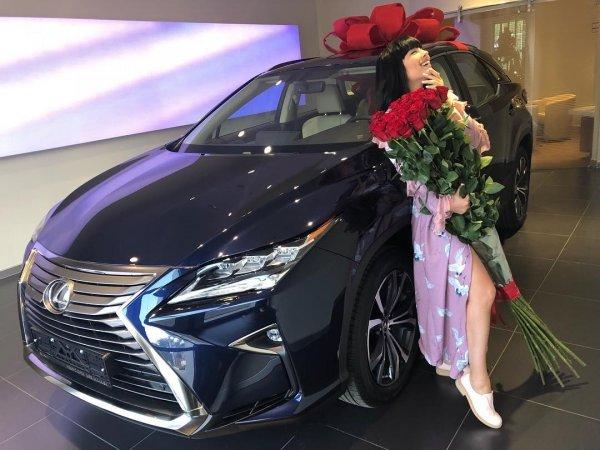 «Понты»: Нелли Ермолаева сильно разозлила подписчиков своим новым роскошным подарком от мужа