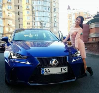Оля Цибульская похвасталась дорогим автомобилем