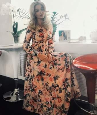Алина Гросу примерила женственное платье