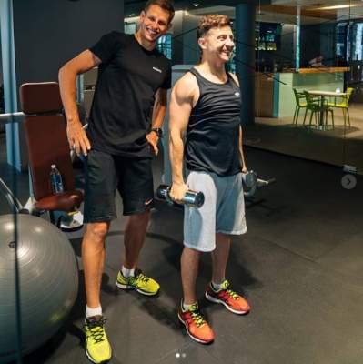 Владимир Зеленский похвалился мощными мускулами