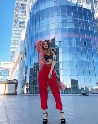 Надя Дорофеева похвасталась длинными ногами и татуировкой