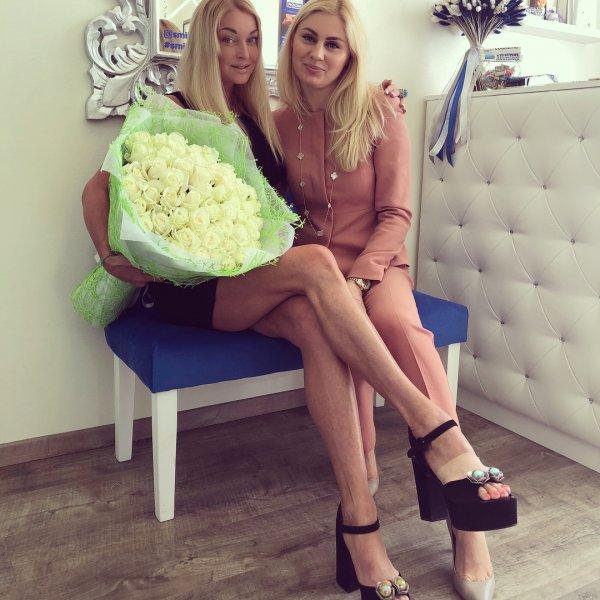 «Балерина с копытами»: Анастасия Волочкова фотошопом неестественно удлинила ноги