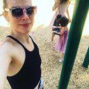 Плоская грудь и небритые подмышки: Милла Йовович шокировала поклонников