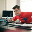 «А теперь по барам смотришь футбол»: Александр Гудков снял видео, посвящённое «забытым спортсменам»
