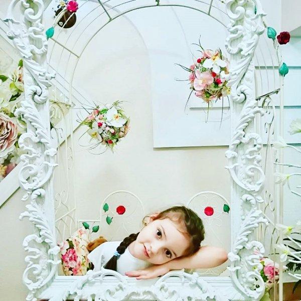 «Будущая Софи Лорен»: Дочь Киркорова поразила поклонников своей красотой
