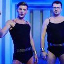Фанаты не оценили снимок Павла Воли и Гарика Харламова в купальниках