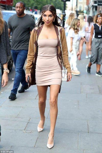 Экс-подружка Бибера Шантель Джеффрис едва втиснулась в «голое» мини-платье
