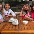 Регина Тодоренко показала трогательное фото с подругами