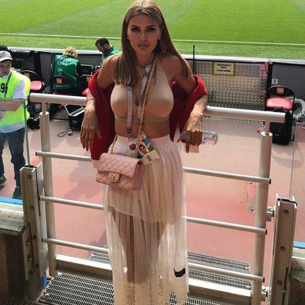 «Сделала сиськи»: Виктория Боня показала шикарнейшую грудь в мини-топе