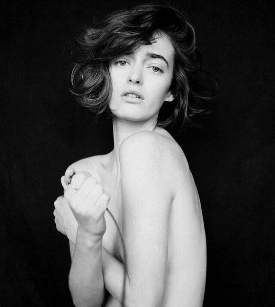 Ольга Зуева сама сфотографировала себя, будучи обнаженной