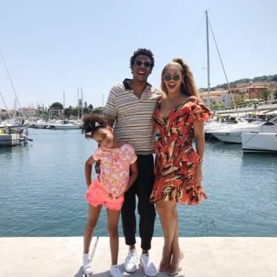 Бейонсе осчастливила фанатов новыми семейными фото
