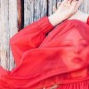 Тина Кароль решилась на откровенное селфи
