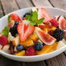 Диетологи раскрыли всю правду о летних фруктах