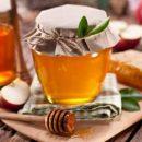 Диетологи рассказали, кому стоит воздержаться от меда