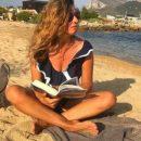 Жанна Бадоева показала, чем занимается на пляже