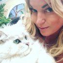 Перебор с фотошопом: Анастасия Волочкова ужаснула «пластиковым» лицом