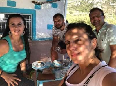 Джамала показала, как она отдыхает с мужем и сестрой