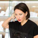 Совсем не висит: 50-летняя Алика Смехова продолжает «бомбить» фанатов откровенными фото