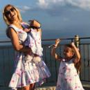 Украинская актриса впервые поехала на отдых с дочкой
