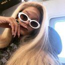 Из жгучей брюнетки в горячую блондинку: Рианна радикально изменила имидж