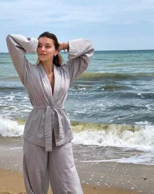 Регина Тодоренко пришла на пляж в пижаме