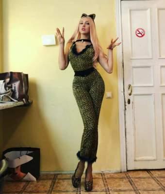 Оля Полякова похвалилась идеальными локонами