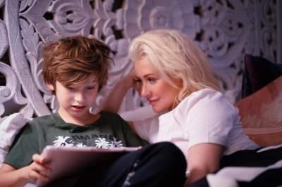 Кристина Агилера поделилась снимком своего сына