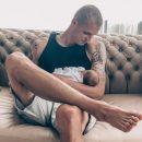 Бритые ноги футболиста Тарасова взбудоражили общественность