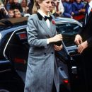 Принц Гарри не даёт жене одеваться в стиле принцессы Дианы