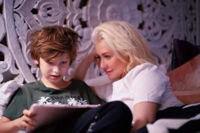 Редкий кадр: Кристина Агилера впервые показала десятилетнего сына