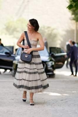 Кэти Холмс оконфузилась в платье не своего размера