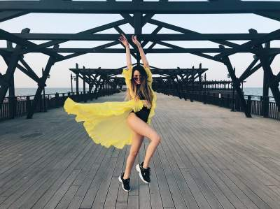 Надя Дорофеева похвасталась роскошными формами в купальнике