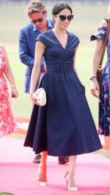 Меган Маркл примерила платье в стиле 50-х годов