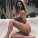 Ким Кардашьян не постеснялась раздеться перед камерой