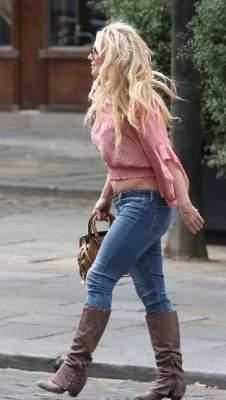 Бритни Спирс сфотографировали в странном образе