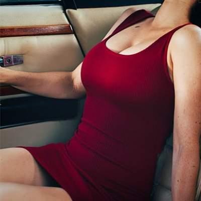 Даша Астафьева смутила фанатов, надев чересчур короткое платье